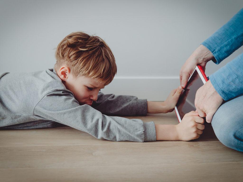 tablets i xarxes nens dilema de las redes socials